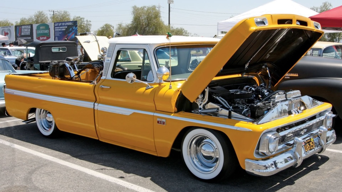 Chowchilla District Chamber Of Commerce Classic Car Show